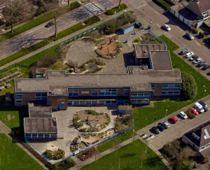 Zonnepanelen op dak Kindcentrum Ontdekrijk